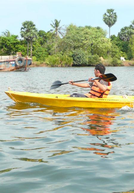 Kayak au Cambodge.