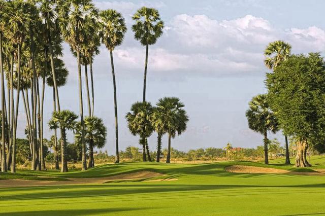 Parcours de golf au Cambodge.