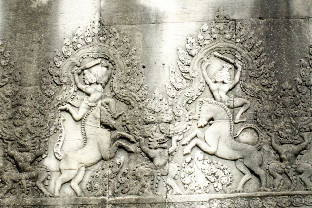 Bas relief Apsara cambodgien.