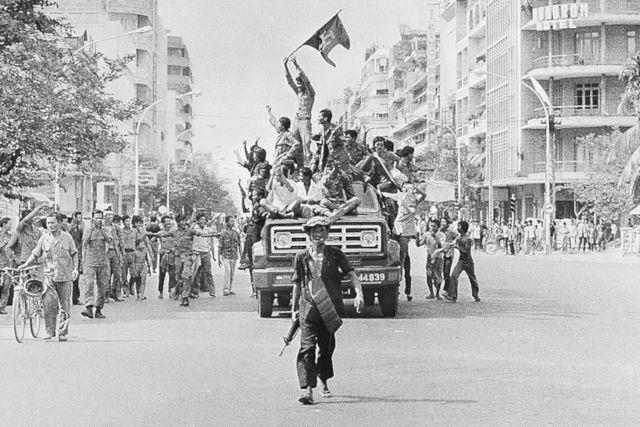 Khmers rouges à Phnom Penh.