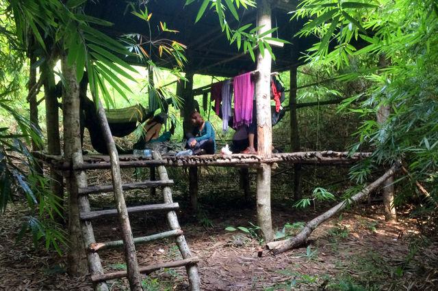 Petite cabane dans la jungle à Chi Phat au Cambodge.