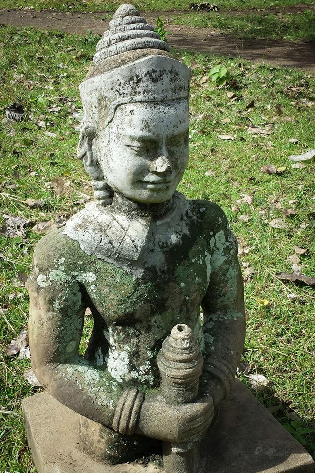 Statue dans un temple de Kampong Cham au Cambodge.