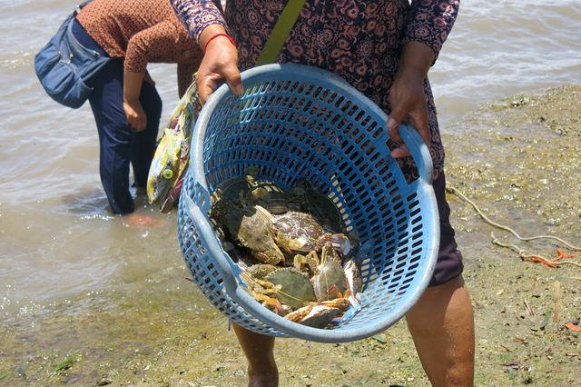 Pêcheurs à Kampot au Cambodge.