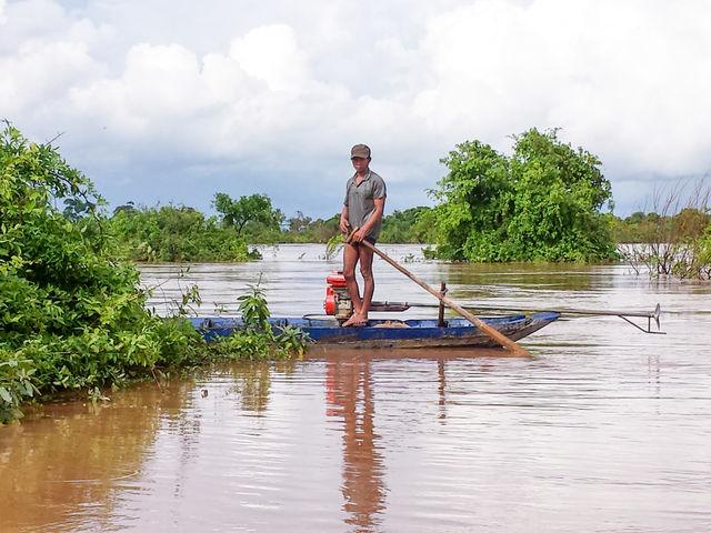 Barque sur le Mékong au Cambodge.