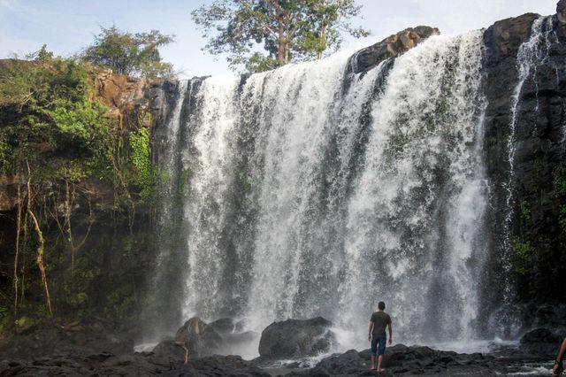 Chute d'eau dans la région de Mondolkiri au Cambodge.