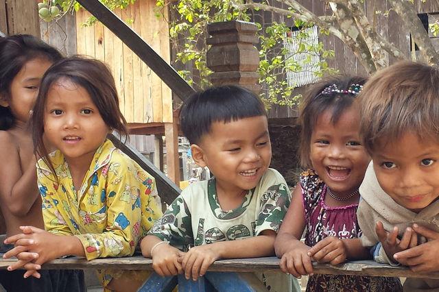 Enfants cambodgiens.