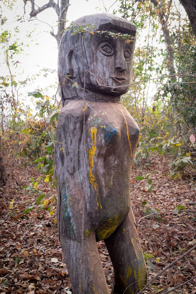 Statue dans la région de ratanakiri au Cambodge.