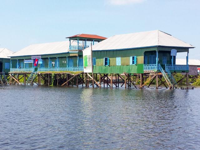 Villages flottants sur le lac Tonlé Sap au Cambodge.